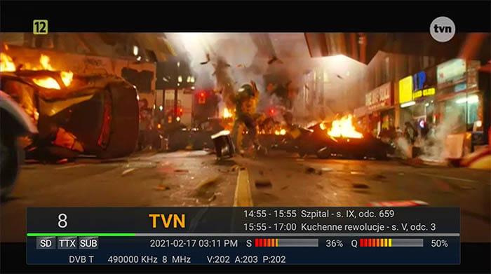 info funkcija prikazana na TV ekranu